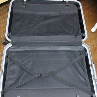 大型スーツケース  7泊以上 2点セット (どちらか一つでもOk) - 売ります・あげます