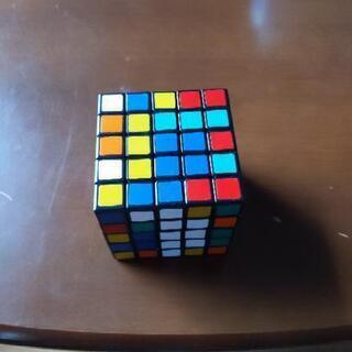 5×5×5のルービックキューブ