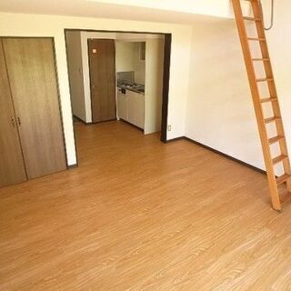 【初期費用3万円部屋】東区和白、ひろいひろい1Kロフト付き物件【...