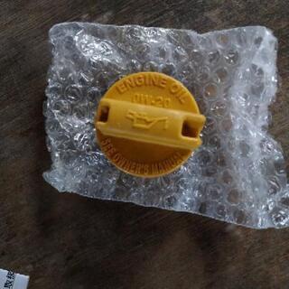 スバル車のオイルフィラーキャップ