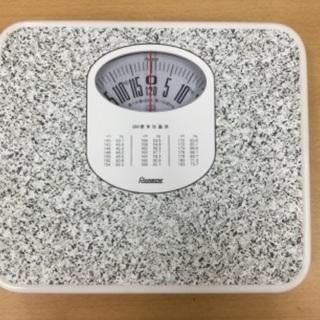 【毎日の健康管理に‼️】体重計 2017年製