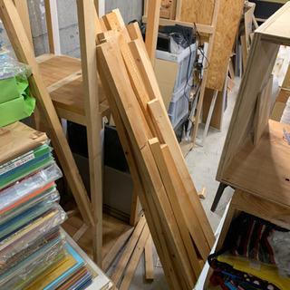 棚解体した垂木桟木 廃材
