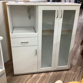 3枚扉で収納性抜群!ニトリのキッチンカウンターです。