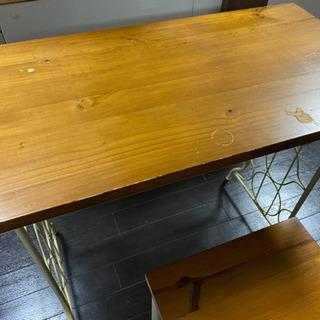 アンティーク調のテーブルと椅子のセット - 売ります・あげます