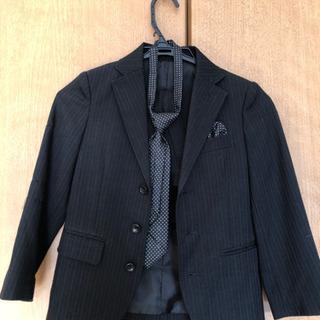 【決まりました】120cm男の子用スーツ