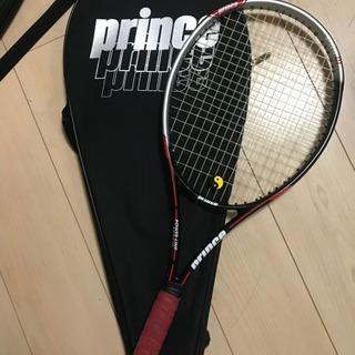 硬式テニスラケット振動止め付き