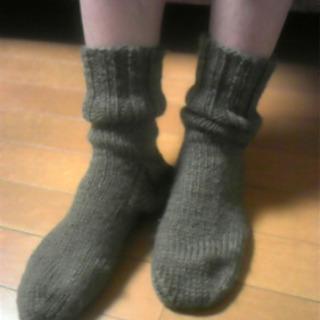 おばあちゃんの手編み 毛糸の靴下 販売中!