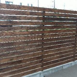 ウッドフェンスの再塗装!やります! - 便利屋