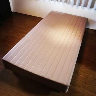 モダンデコ 脚付きマットレスシングルベッド の画像