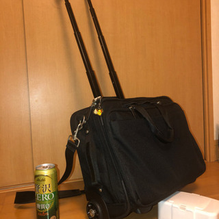 【購入者決定】ビジネスバック キャスター 鍵 雨用カバー付き