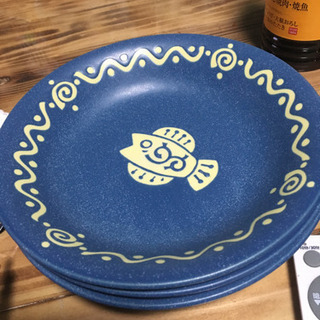 このような模様のお皿を探しています