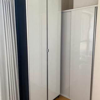 扉付き IKEA Billy 本棚