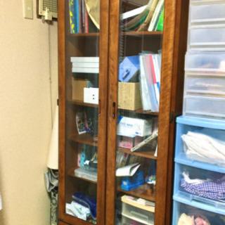 無料 ガラス扉付き本棚 古い