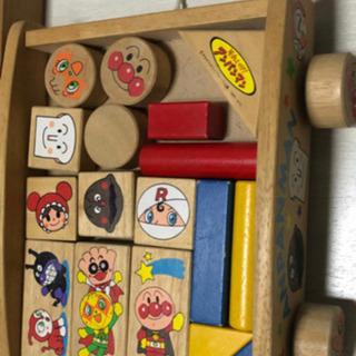 おもちゃ アンパンマン 積み木 木製 ウッドブロック 引き車 積...