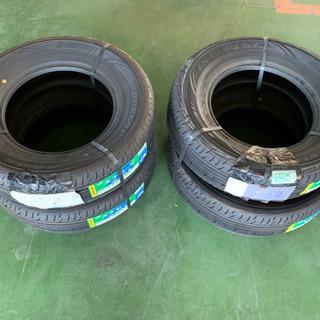未使用タイヤ215/70R15