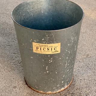 ステンレス製のゴミ箱