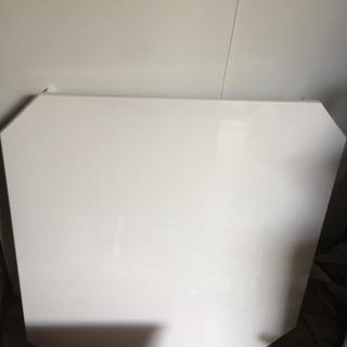 来週末まで限定2000円‼️真っ白なローテーブル スクエア…