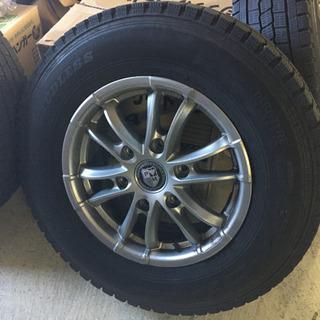 NV350  キャラバン ホイール スタッドレスタイヤ付き - 車のパーツ