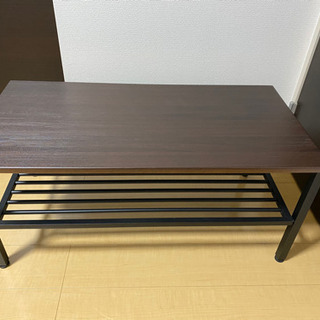 木目でダークブラウンなローテーブル!! − 東京都