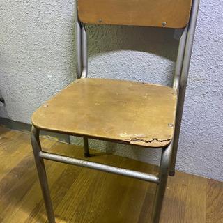 小学校の椅子【No.1】