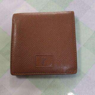 renomaの二つ折り財布