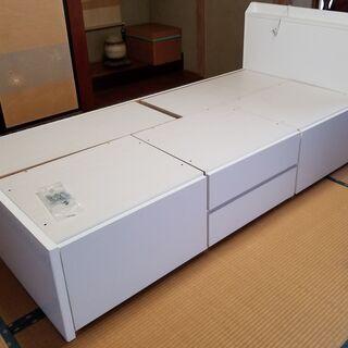 🔵ニトリ 白の木製引き出し4杯付きシングルベッド 美品