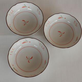 TACHIKICHIの小皿3枚 300円で譲ります