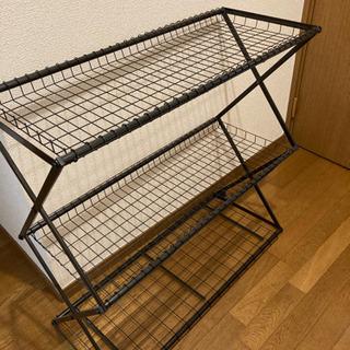お譲りする方が決まりました棚 三段 折り畳み 金属製 黒