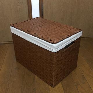 ⭐️受付中【都内某所引き取り限定】蓋付き収納ボックス ブラウン