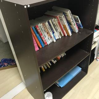本棚です!中の本も欲しければあげます!!
