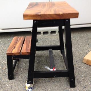 木製踏み台  支柱破損あり