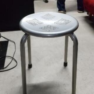 【中古品】金属製丸椅子