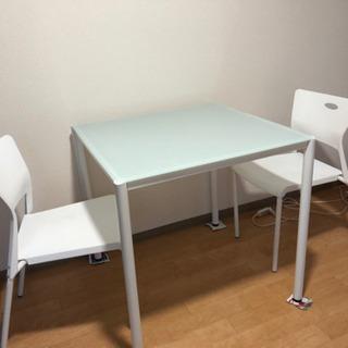 【引渡し者決定済】テーブル&チェア2脚の画像