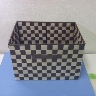 JM9095)収納ボックス こげ茶と白の格子柄 1個 中古品【取...