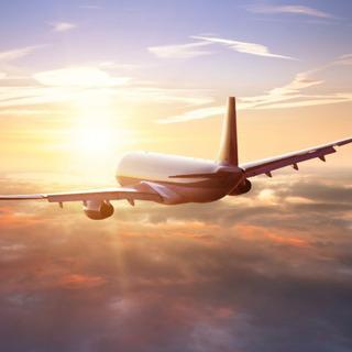 世界を舞台に活躍するパイロットが教える英会話