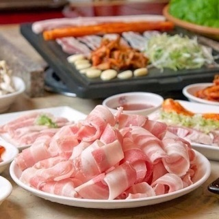 野菜を食べる焼肉🥓🥬サムギョプサル❣️琉球HEAT