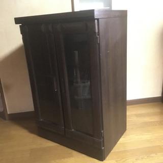ガラス両開き本棚 ブラウン チェスト コレクションボード 良品 - 坂戸市