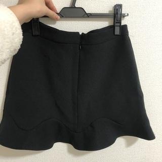 黒スカート