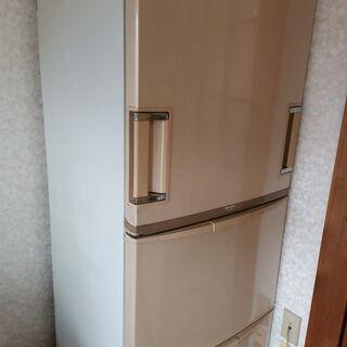 すぐに取りに来てくださる方限定で差し上げます。シャープ両開き冷蔵...