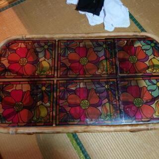 籐のガラステーブル