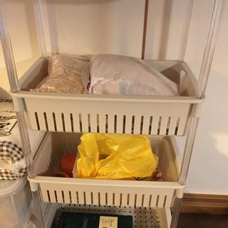 キッチンバスット二段、三段ラックの画像