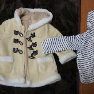女児のコートとパーカー