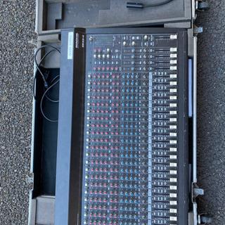 【値下げしました】Mackie SR24-4 ケース付 - 仙台市