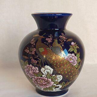 千陶造 花瓶 飾り壺 孔雀と牡丹と梅