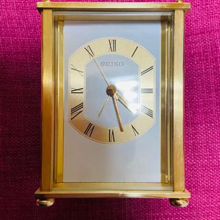 🕰小ぶりで質感の高い金属枠の置時計(中古)