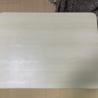 クリーム色のローテーブル(中古)