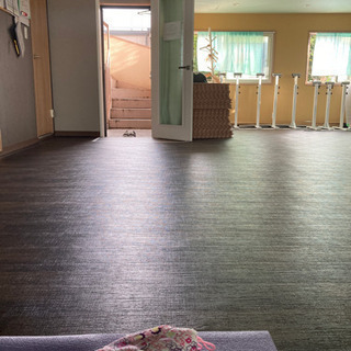 吉祥寺で朝ヨガ。静かで落ち着いたスタジオ。少人数クラスで安…