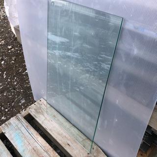 8ミリガラス 400×735 棚板などに!