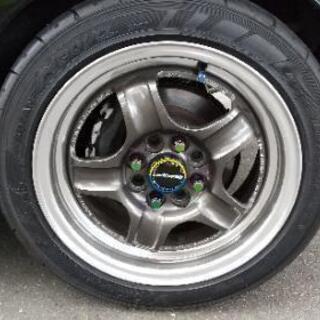 車の整備・タイヤの履き替え交換等いたします。