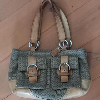本物のCOACHのバッグです。